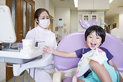まずは「歯医者さん」に慣れて頂くようにしています