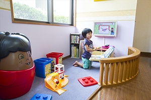 子どもたちが遊びに夢中になるには十分な程の広さとおもちゃを揃えております。お気軽にご利用下さい。
