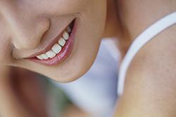 ホワイトニングで笑顔を今よりも もっと明るくしてみませんか?